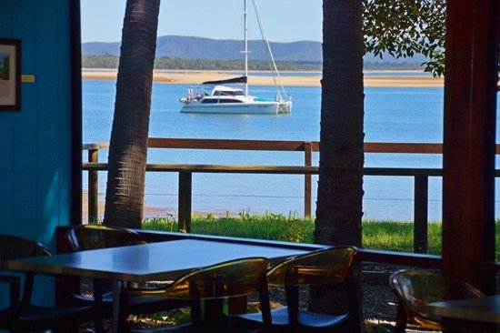 Beachcombers Family Bistro 1770 - Hotel Accommodation