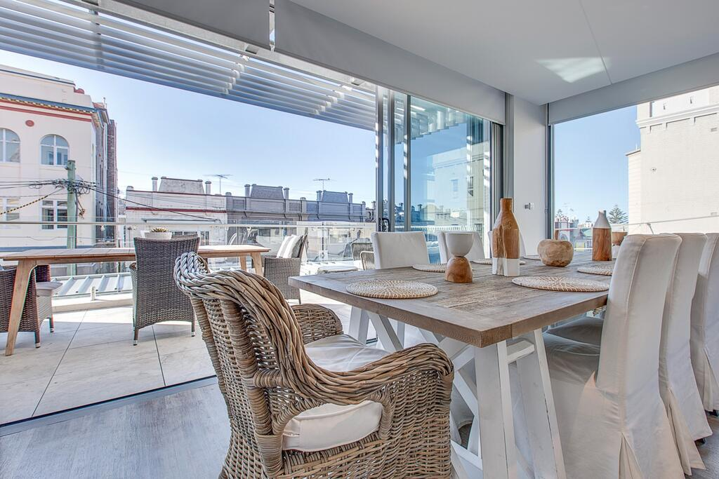 COOGEE BAY PENTHOUSE- L'Abode Accommodation Coogee