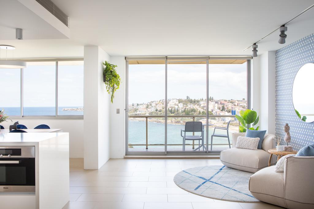 Coogee Beach Designer Penthouse with Parking Coogee