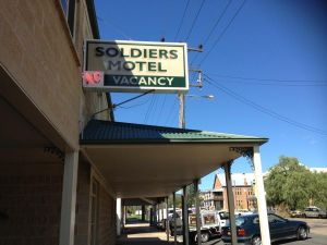 Soldiers Motel - Hotel Accommodation