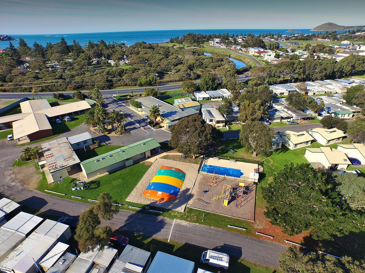 Victor Harbor Holiday  Cabin Park - Hotel Accommodation