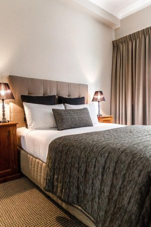 The Belmore All-Suite Hotel - Hotel Accommodation