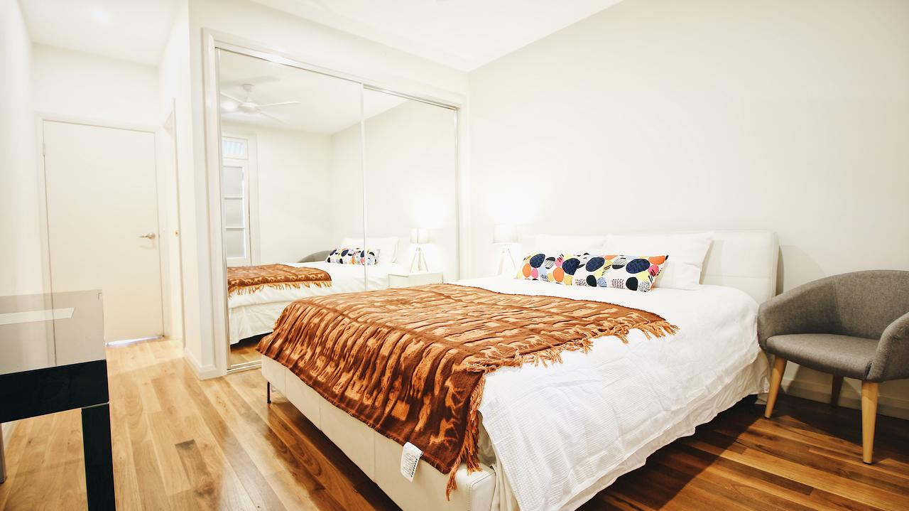 Cozy 5 Bed House in Sydney - Hotel Accommodation
