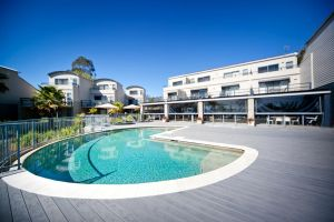 Corrigans Cove - Hotel Accommodation