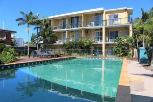 Broadwater Keys Holiday Apartments - Hotel Accommodation
