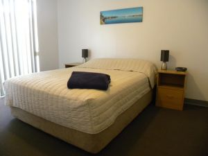 Carnarvon Central Apartments - Hotel Accommodation