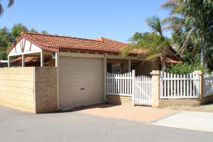 Geraldton Luxury Retreat 2 - Hotel Accommodation
