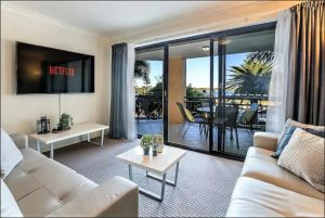 Gold Coast Apartment At Sandcastles On Broadwater - Hotel Accommodation