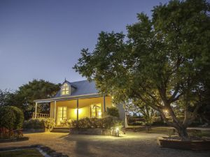 Vineyard Cottages - Hotel Accommodation