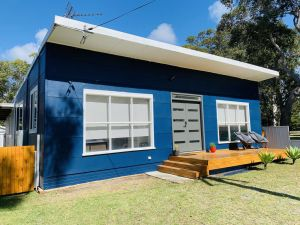 Abode Callala Beach Jervis Bay - 100m to Beach - Hotel Accommodation
