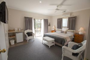 Batemans Bay Manor - Bed and Breakfast - Hotel Accommodation