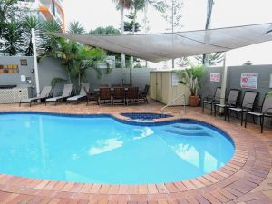 Bayview Beach Holiday Apartments - Hotel Accommodation